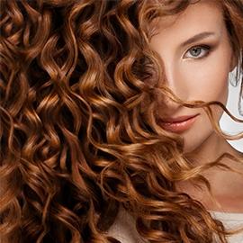 Cheveux bouclés : découvrez tous nos soins adaptés