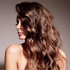 Tous les soins capillaires pour les cheveux bouclés et frisés