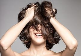 coiffure bapteme cheveux mi long